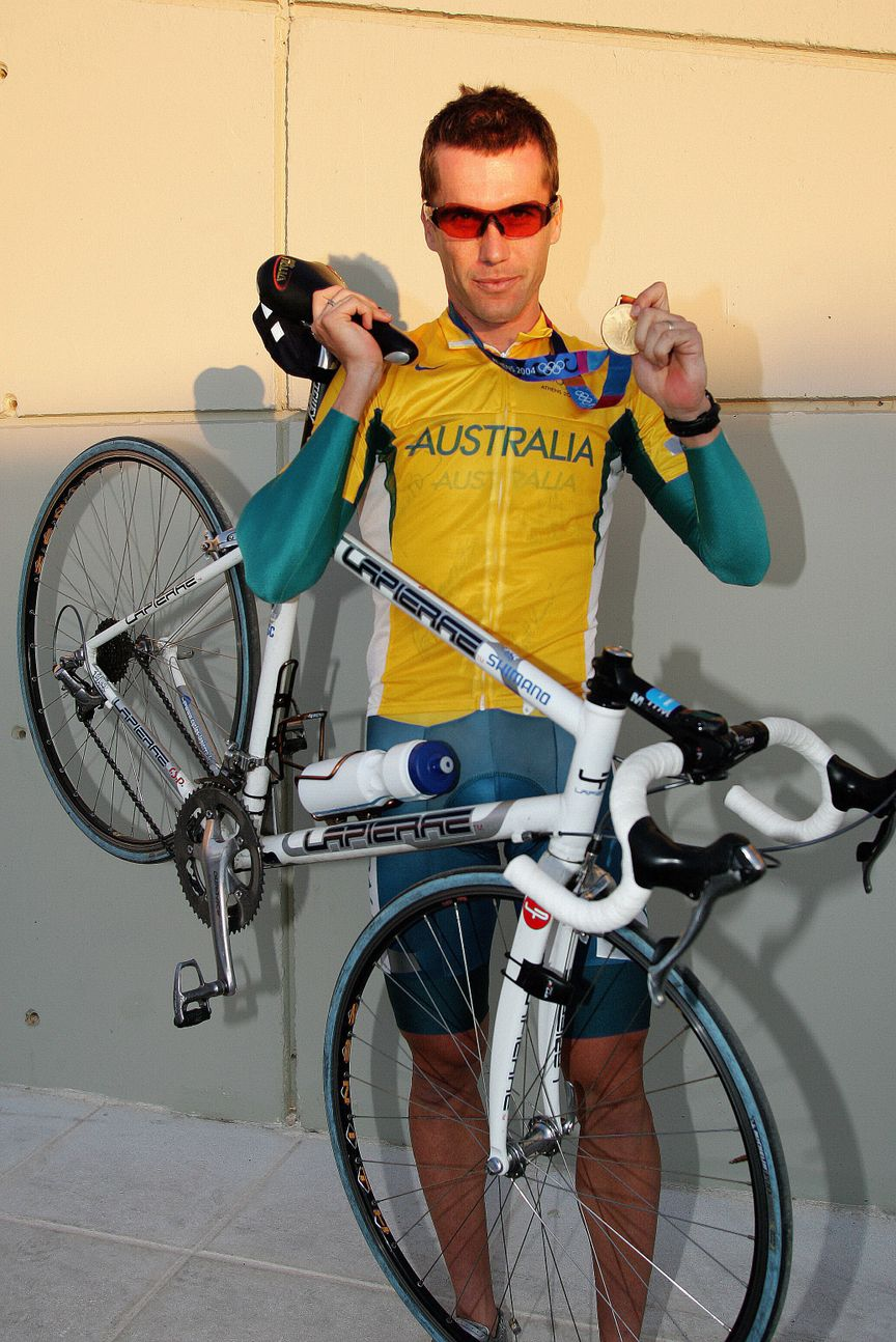 Lapierre history - Bradley McGee becomes Individual Pursuit World Champion in 2004