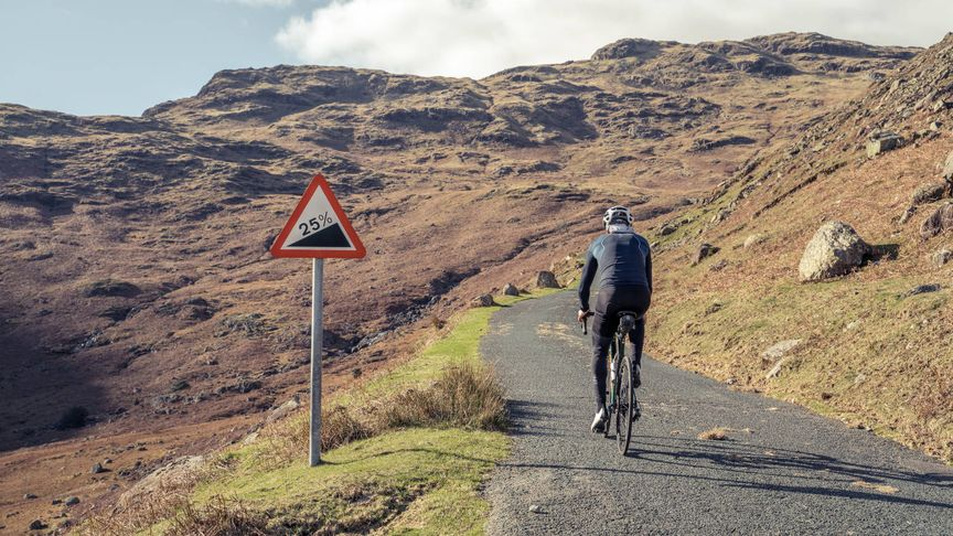 Lapierre Pulsium being ridden up a steep in hill in the Lake District
