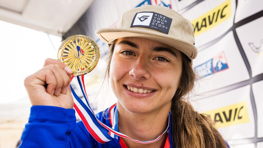 Isabeau Courdurier - 2021 Enduro French Champ