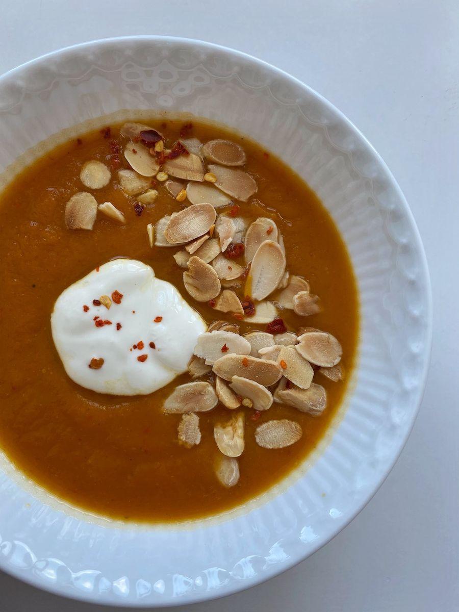Butternut squash suppe med ovnbagt peberfrugt - Ingredienser