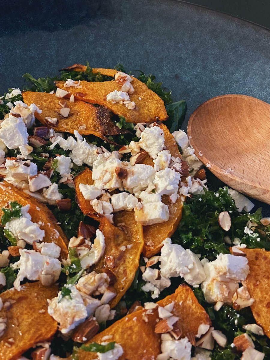 Vegetar - Græskarsalat med grønkål og feta