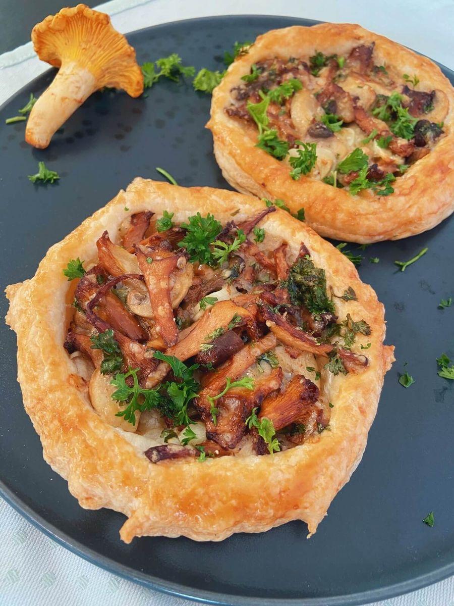 Opskrift - Små tærter med svampe