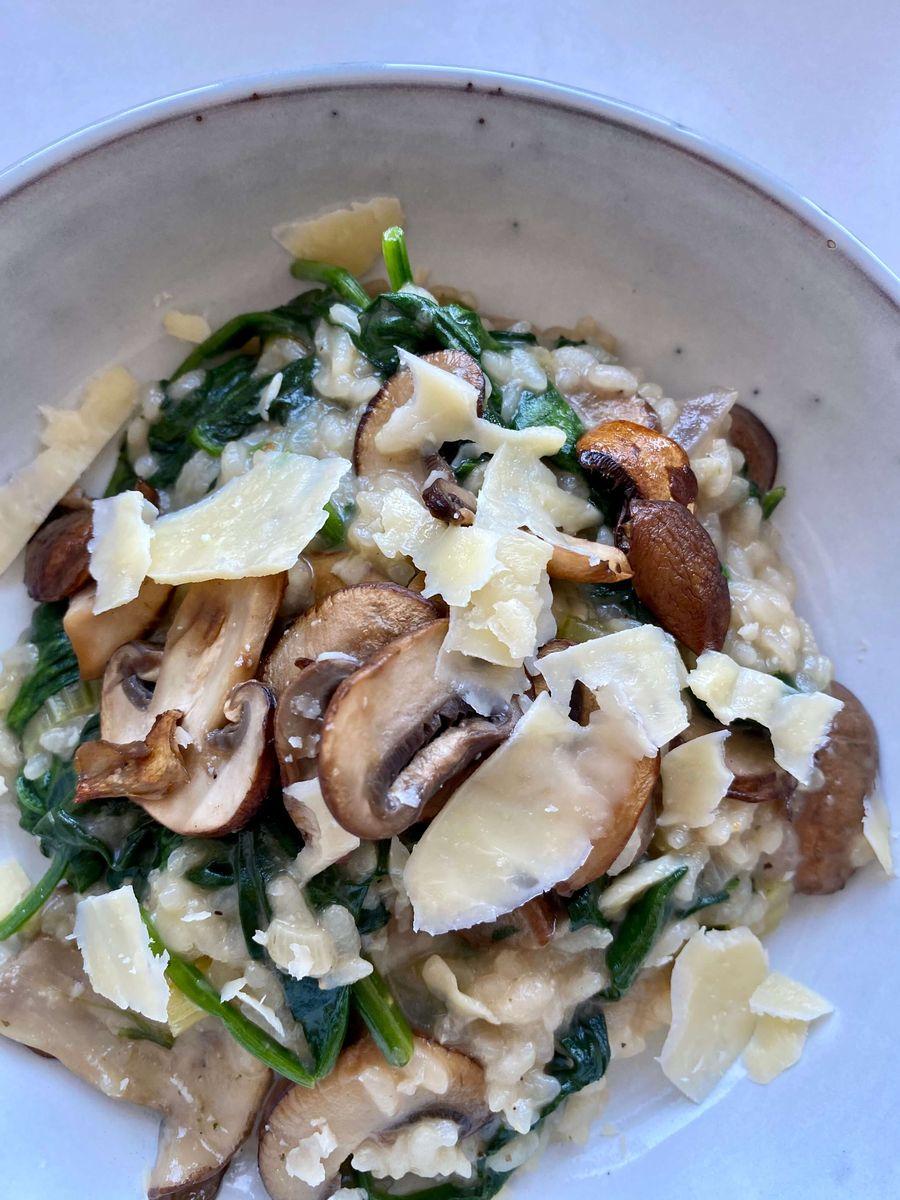 risotto med svampe og spinat