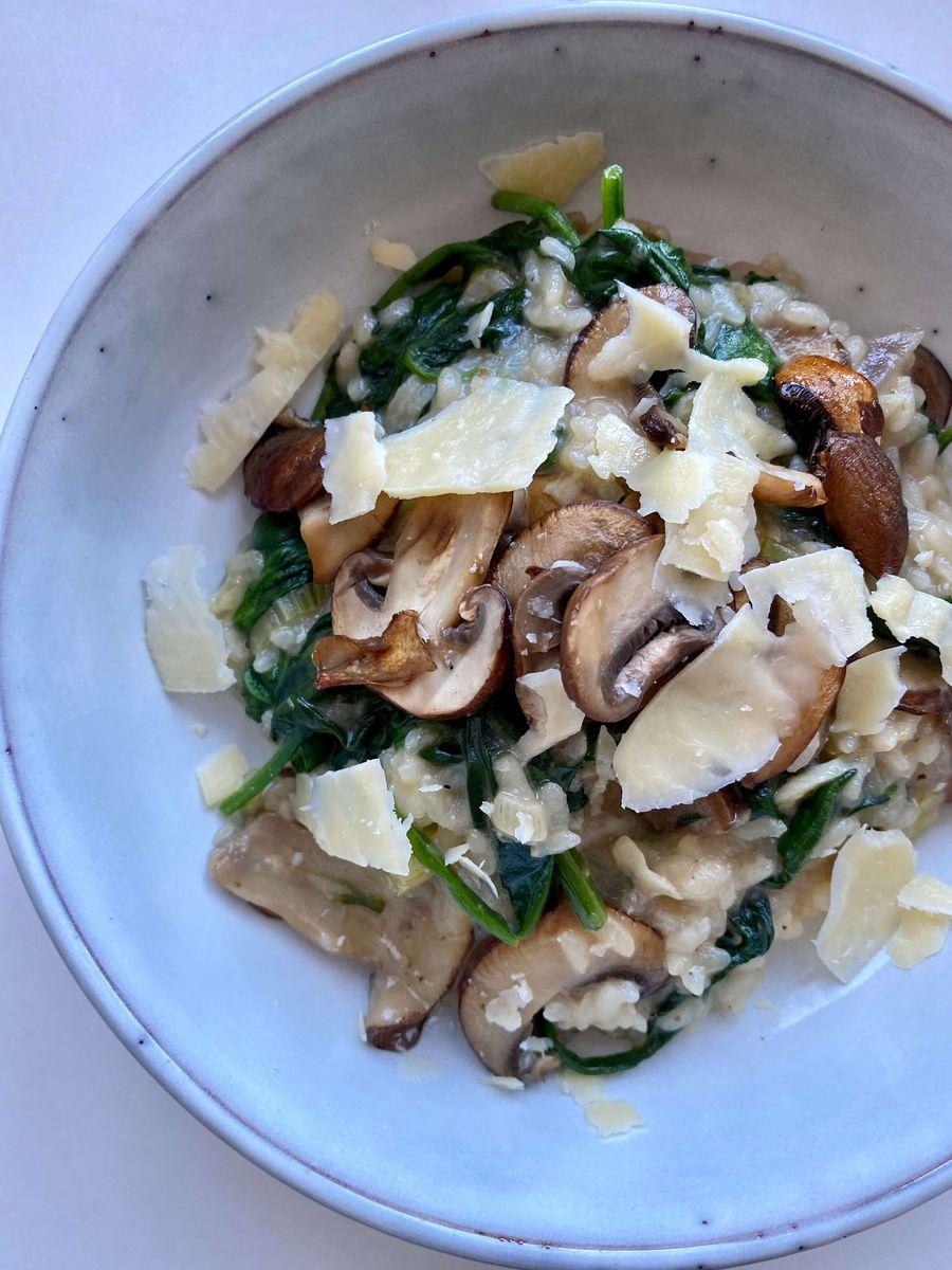 lækker vegetarisk risotto med parmesan og spinat