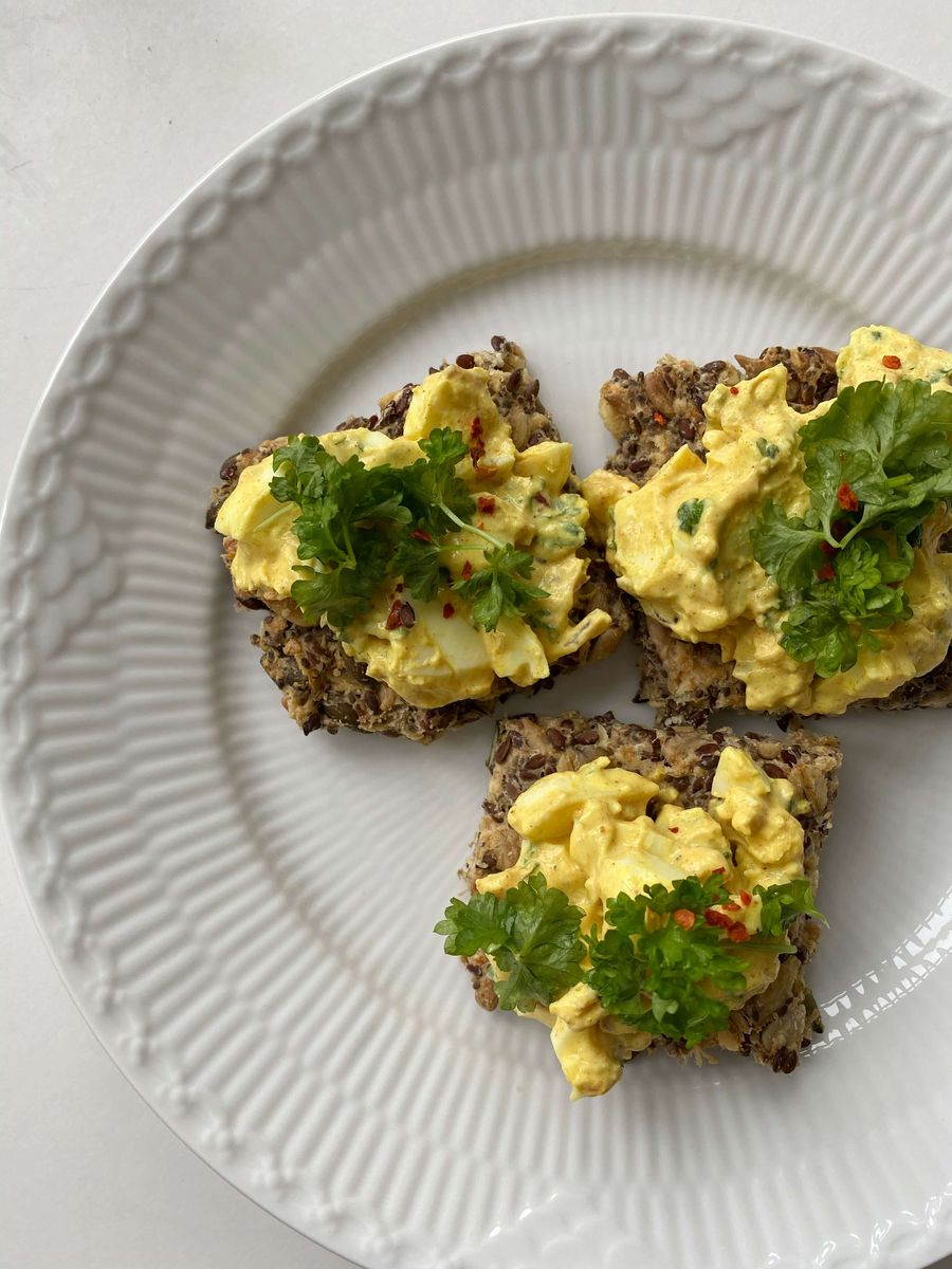 nem opskrift på vegetarisk æggesalat