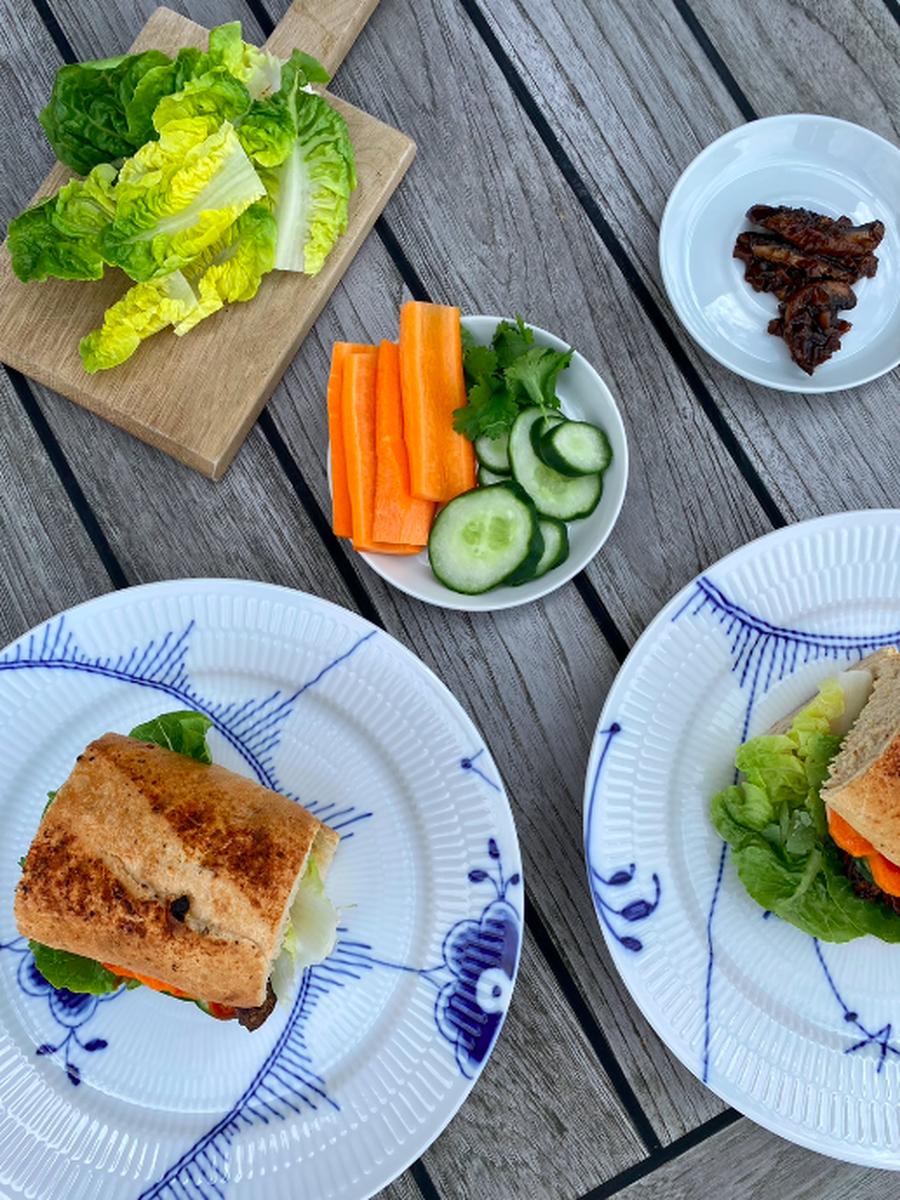 Bánh Mì med syltede gulerødder