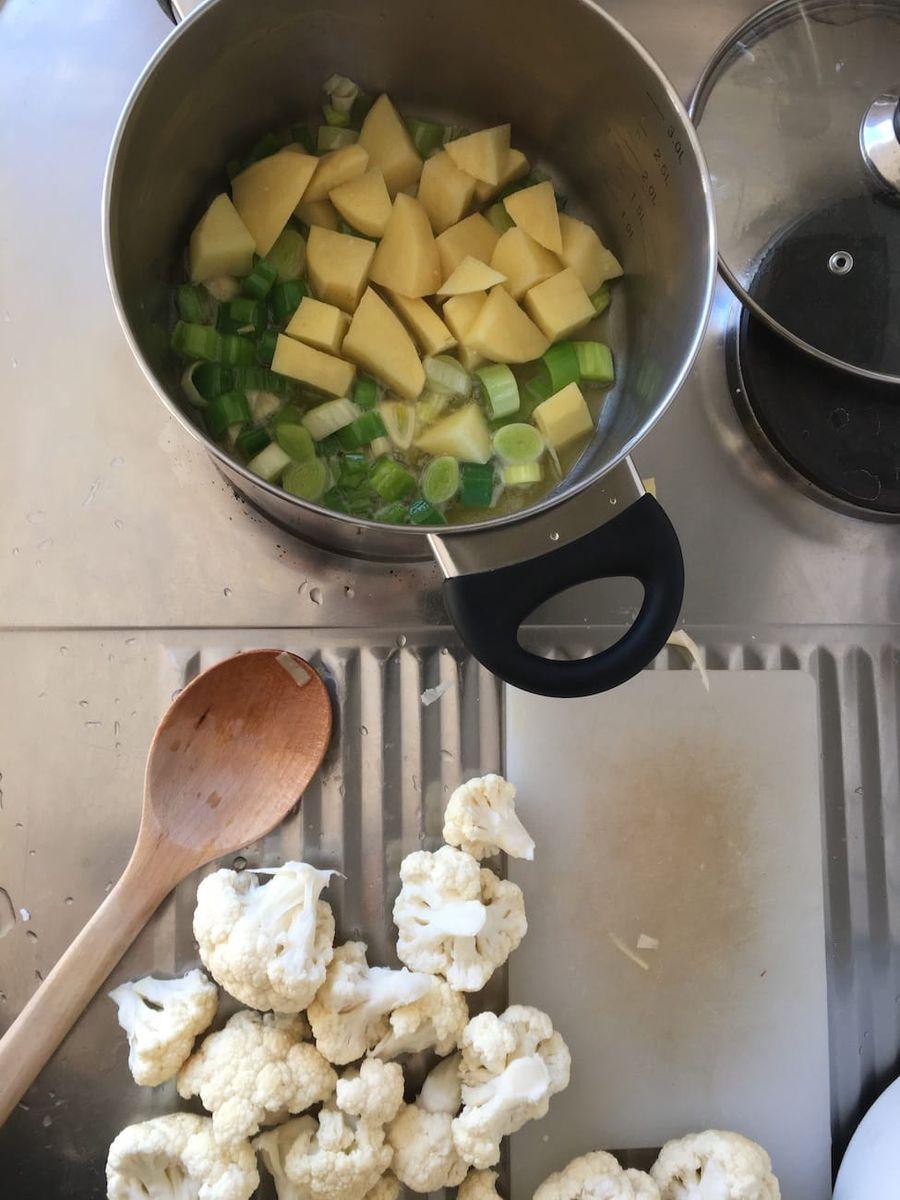 Vegansk kartoffelsuppe - Opskrift