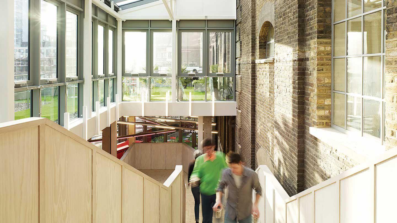 Undergraduate Business School Programs | Hult