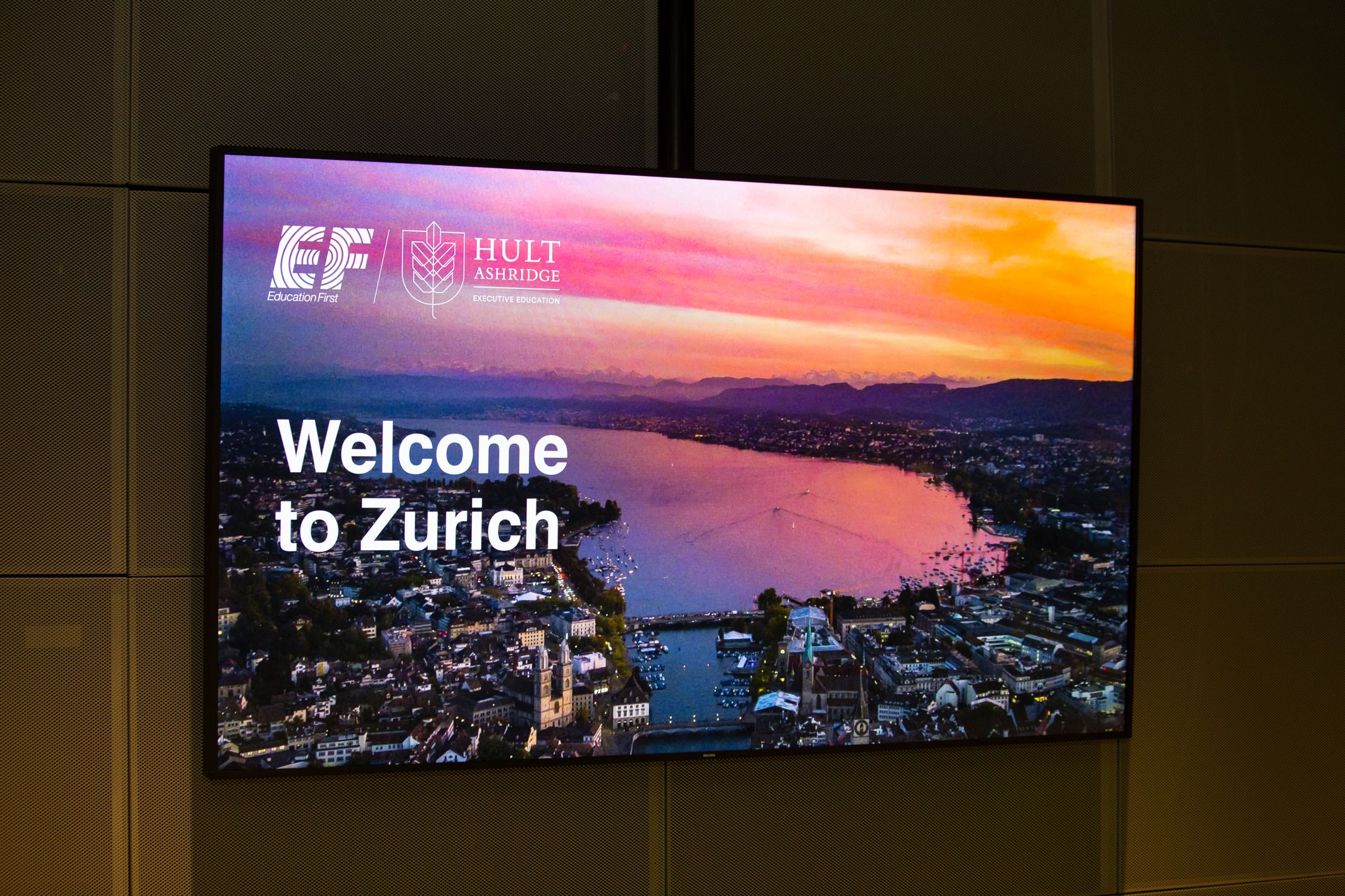 Welcome to Zurich presentation screen