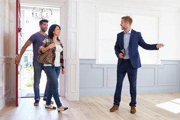 Mit der Unterstützung eines Immobilienmaklers verläuft der Verkauf meist leichter