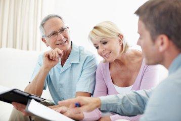 Gut investiert: Oft lohnt sich die Maklerprovision für den erleichterten Hausverkauf
