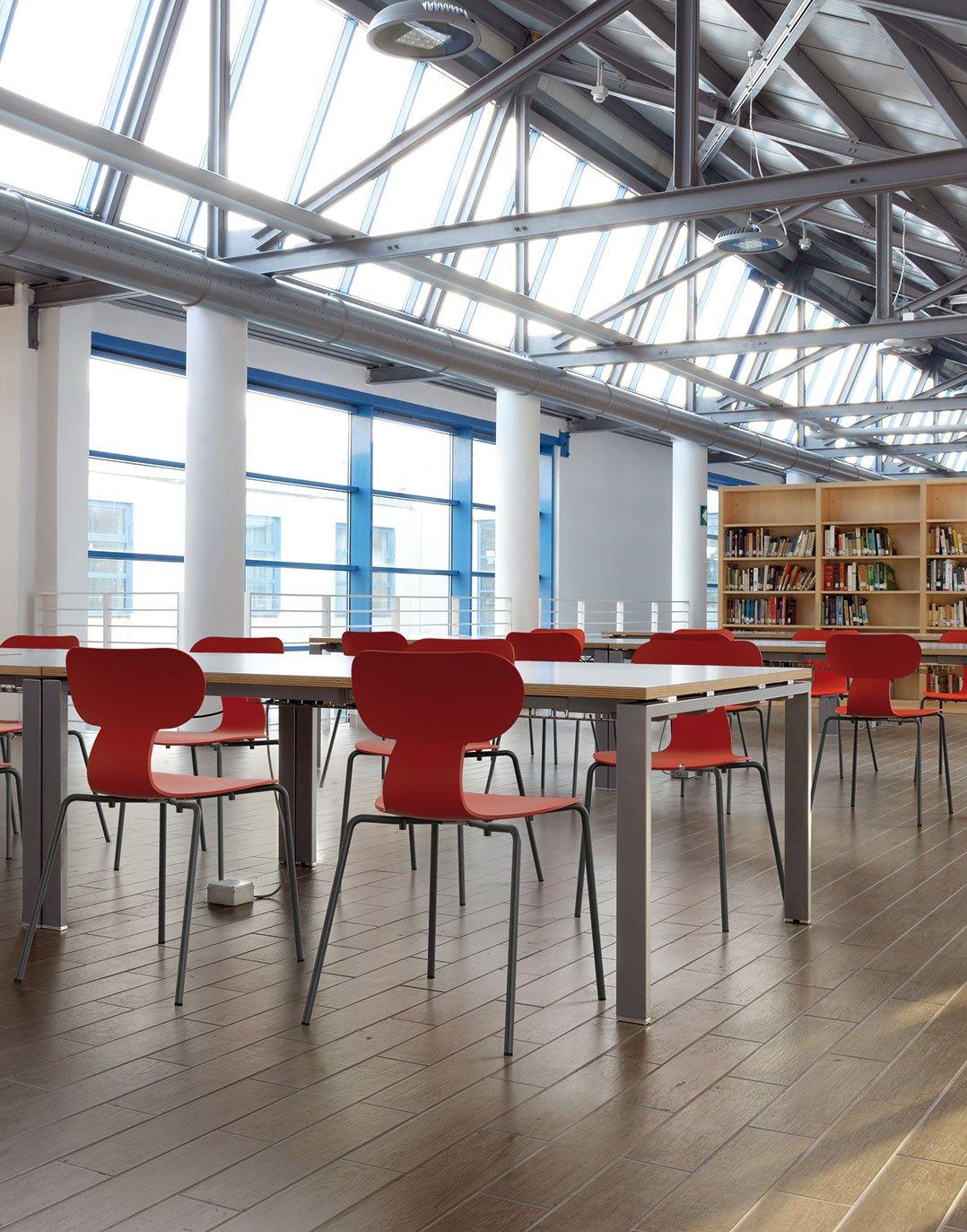 Indoor Kantinenstühle für Ihre Gastronomie und Hotellerie