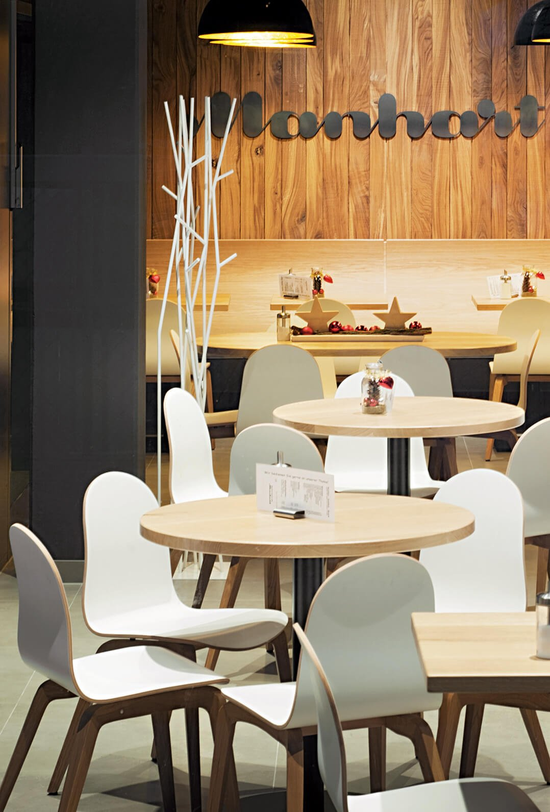Indoor Shell chairs for your restaurant or hotel
