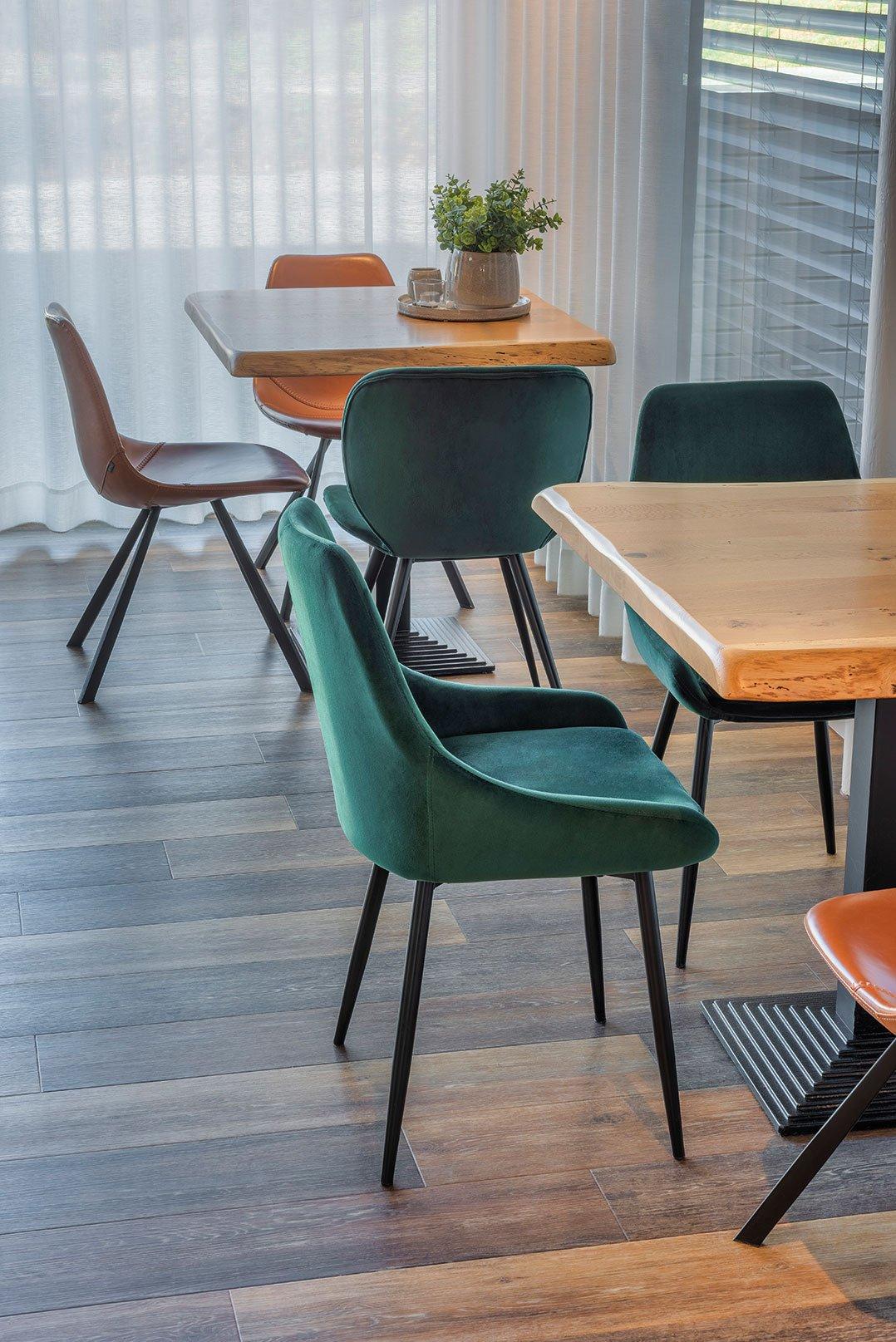Indoor Cafemöbel für Ihre Gastronomie und Hotellerie