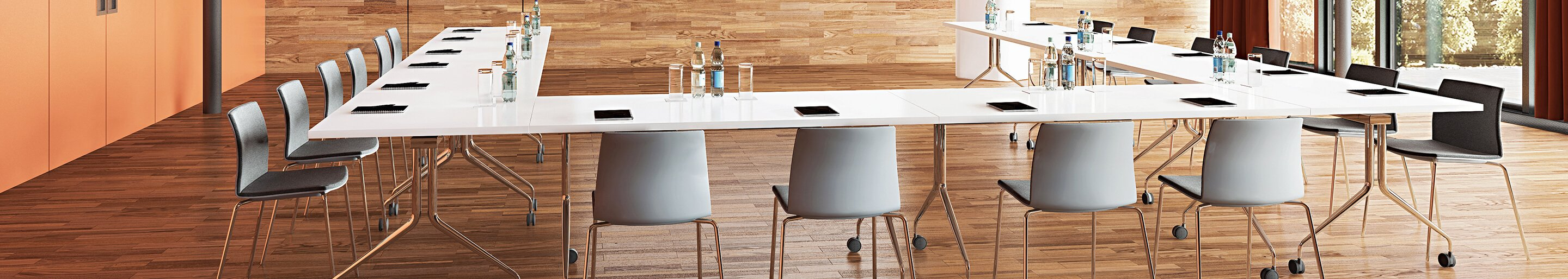 Indoor Seminar & Conference chairs for your hotel, restaurant or office