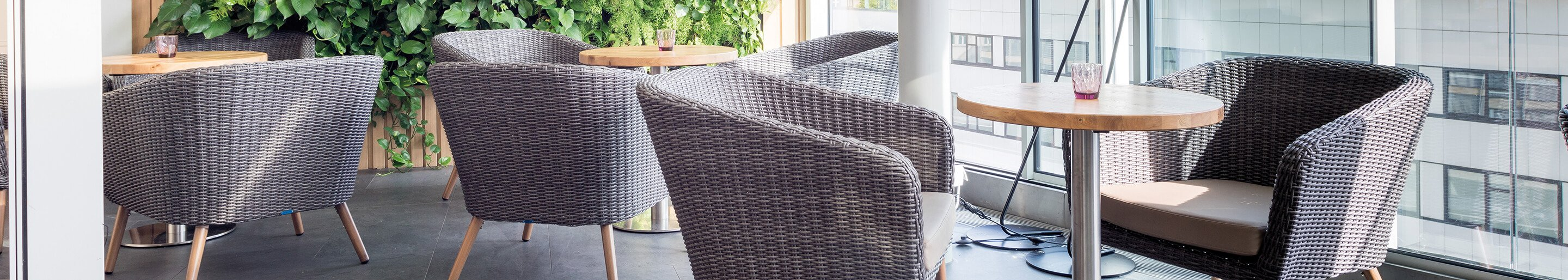 Outdoor Sofas for your restaurant or hotel